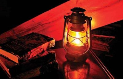 Students encouraging vendors to get solar lamps